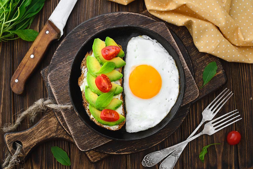 Qué desayunar para tomar un vientre plano